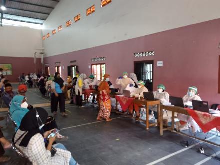 Vaksinasi untuk Masyarakat Kalurahan Palbapang